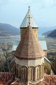 Koepels van de kerk van de Verlosser en veronderstelling kerk van het kasteel van Israelische. Georgië — Stockfoto