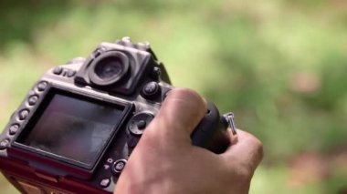 4of6 Man, photographer, photography, pictures, digital camera equipment — Stock Video