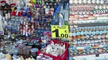 纪念品礼品商店摊位市场游客在罗马意大利罗马 — 图库视频影像