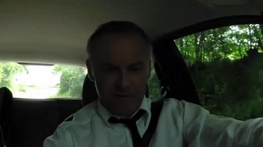 Happy Man Businessman People Driving Car Driver Singing Song Tune — Stock Video