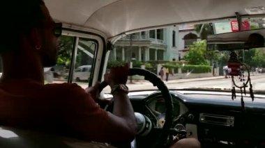 Man Driving Old Car Vintage Taxi City Traffic Havana Cuba — Stock Video