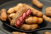 Boil peanuts thai style — Stock Photo