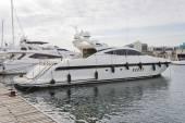 Modern yacht moored on the pier — Fotografia Stock