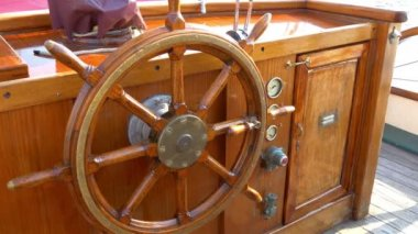 Steering wheel of old viking ship. — Stockvideo