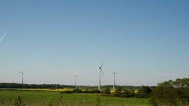 Big windmills or wind generators — Stock Video