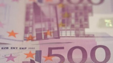 Closer view of the 500 Euro bill — Stock Video