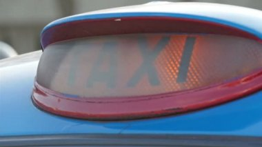 Taxi sign close up — Stock Video