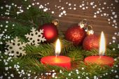 Red Burning Candles with Christmas Decoration — 图库照片