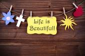 Yellow Label Saying Life Is Beautiful — Стоковое фото