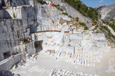 イタリアの carrara の大理石の採石場 — ストック写真