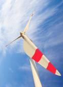 Wind turbine against beautiful sky — Foto Stock