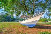 Abandoned Boat near the beach — Stock Photo