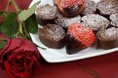 Valentine heart shape strawberries — Stock Photo