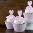 Wedding Day shabby chic style pink cupcakes — Stock Photo #72862809