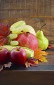 Hösten frukt och grönsaker bakgrund — Stockfoto