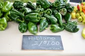 Pablano Peppers for sale — Stock Photo