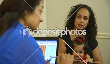 Hispanic mom talking with office worker with her children — Stock Video