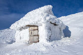 Cabin in the snow. — Stock Photo
