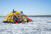 Tent on the ice cost. — Stock Photo