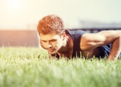 Push up muscular man — Stok fotoğraf