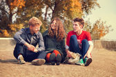 Teenage friends  in golden autumn day — Stock Photo