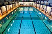 Duży kryty basen — Zdjęcie stockowe