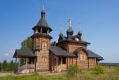 Wooden church of All Saints of Siberia on the Tura river. — Stockfoto