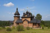Wooden church of All Saints of Siberia on the Tura river. — Stock Photo