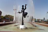 Fountain near the circus in Almaty — Stock Photo