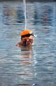 Sikh man praying in the holy lake at Golden Temple . Amritsar. India — Stock Photo