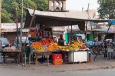 Fruit shop on the market in Agra — Stock fotografie