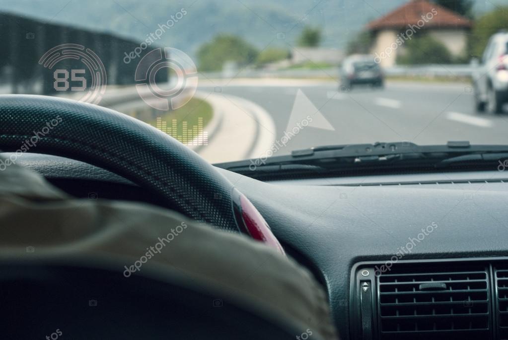 Innenraum Auto Cockpit hud-display — Stockfoto © AlemTMA #88146474 | {Auto cockpit straße 8}