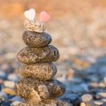 Cairn on the pebbly sea beach — Stock Photo #66651703