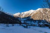 日の出の冬の風景 — ストック写真