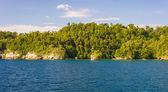 Coastline in the Togian archipelago — Stock Photo