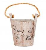 Empty wooden bucket or wooden flowerpot — Stock Photo