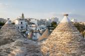 Trulli, the typical old houses in Alberobello. — Stockfoto