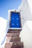 Typical blue door in Santorini island — Zdjęcie stockowe