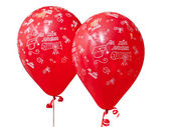 Red balloons to celebrate graduation day. — Stok fotoğraf