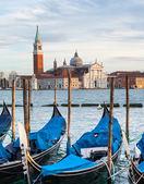 Gondolas and San Giorgio Maggiore church in Venice. — Stock Photo
