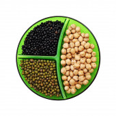 Chick-pea, mung bean and black lentils isolated on white backgro — Stock Photo