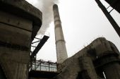 Power station with smoke stack — Stock Photo