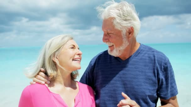 Семейная пара на отдыхе смотреть видео фото 384-206