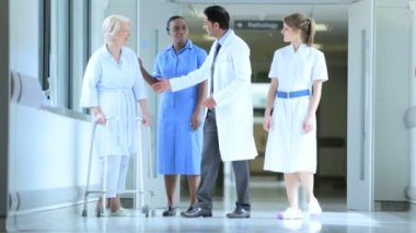 Hospital Staff Patient Physical Therapy Walking Aid — Stock Video