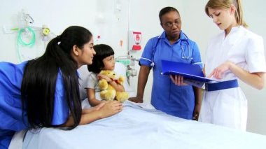 Pediatric Nursing Staff Treating Child Patient — Stock Video