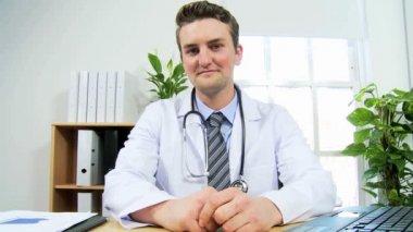 Doctor using modern video communication — Stock Video