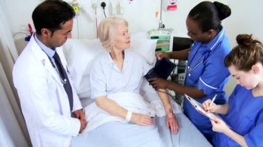 Senior Hospital Patient Specialist Care — Stock Video