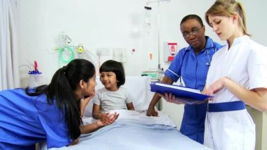 Asian Indian Female Child Patient Nursing Staff — Stock Video