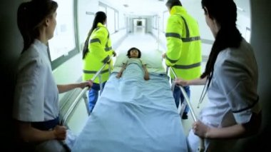 Wide Angle Emergency Paramedics Child Patient — Stock Video