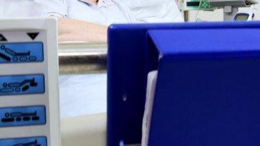 Senior Caucasian Patient Hospital Ward — Stok video